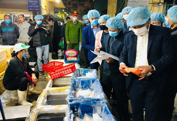 Hanoi promotes food safety and hygiene inspections hinh anh 1