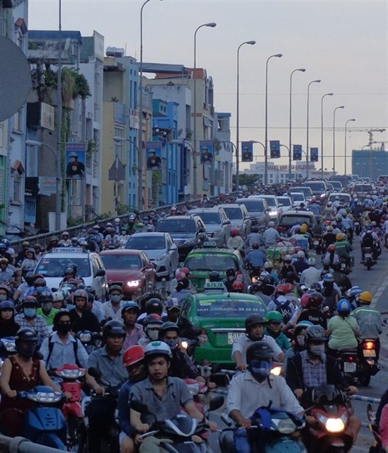 HCM City kicks off major traffic projects to ease congestion hinh anh 1
