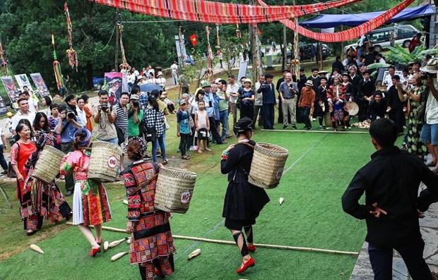 Hanoi activities celebrating Ho Chi Minh's birthday hinh anh 1