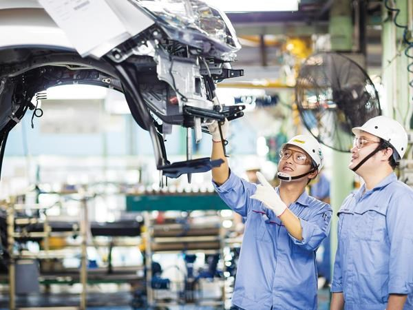 Industry and trade sector will promote development hinh anh 1