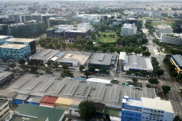 Singapore factory activity shrinks to 11-year low in April hinh anh 1