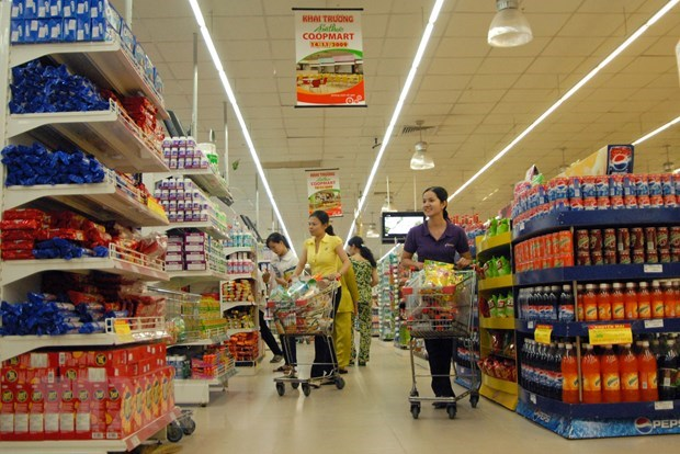 HCM City's retail sales, service revenue down in first four months hinh anh 1