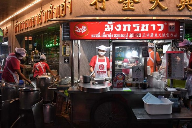 Southeast Asia's street food sellers fight lockdown hinh anh 1