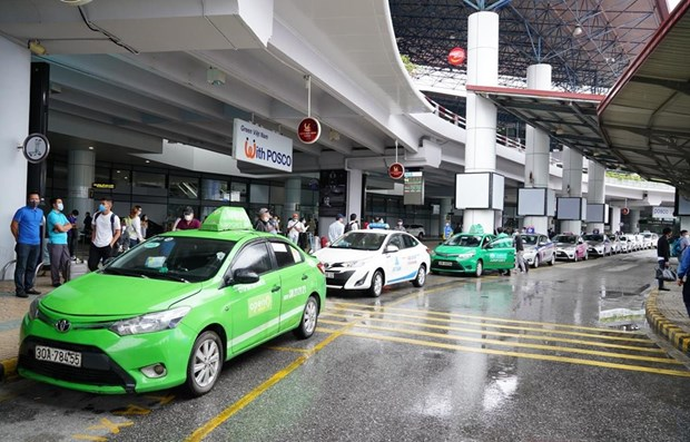 Domestic passenger transportation services resume from May 8 hinh anh 1