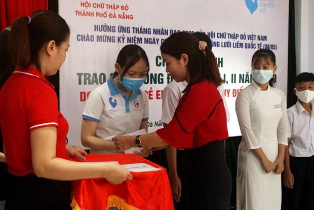 Da Nang acts during humanitarian month hinh anh 1