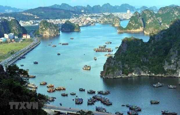 Quang Ninh builds road linking with Ha Long-Hai Phong-Hanoi expressway hinh anh 1