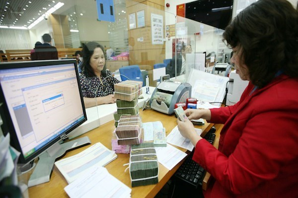 Corporate bond market faces risks: MoF official hinh anh 1