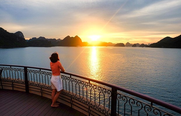Weekend gala night raises curtain on Quang Ninh's tourism promotion drive hinh anh 1