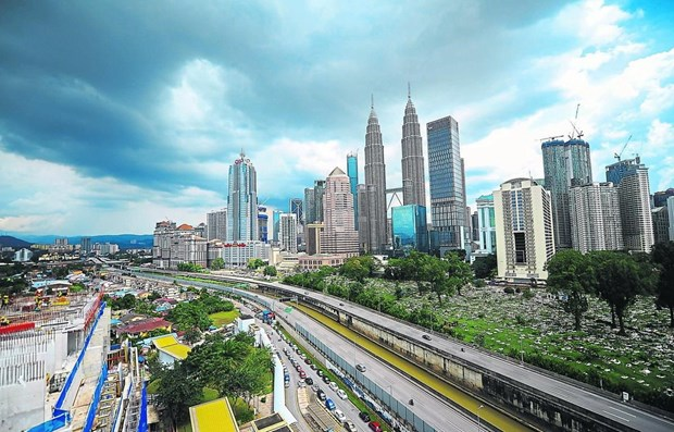 Malaysia's Q1 GDP expected to contract for first time in more than a decade hinh anh 1