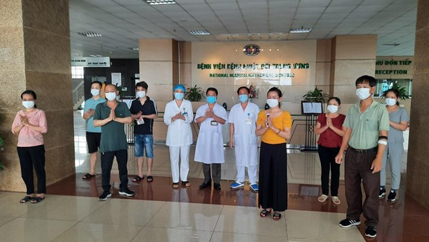 Eight more COVID-19 patients given all-clear, total recoveries at 249 hinh anh 1