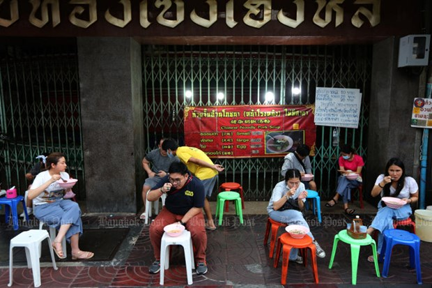 Businesses in Thailand urge relaxing lockdown to stem job losses hinh anh 1