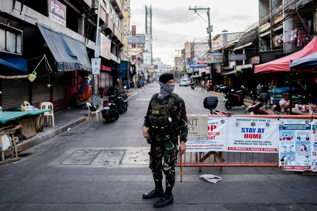 Philippines to ease economic restrictions on Manila hinh anh 1