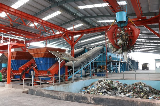 Country's largest waste-to-fertiliser plant commissioned in Binh Duong hinh anh 1
