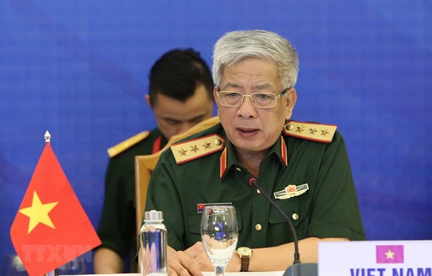 Vietnam proposes stronger ties between ASEAN, partners to handle outbreaks hinh anh 1