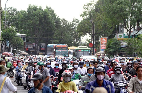 HCM City launches motorbike emission testing programme hinh anh 1