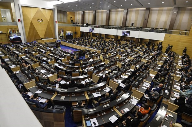 Malaysian parliament sits for first time after new government forms hinh anh 1