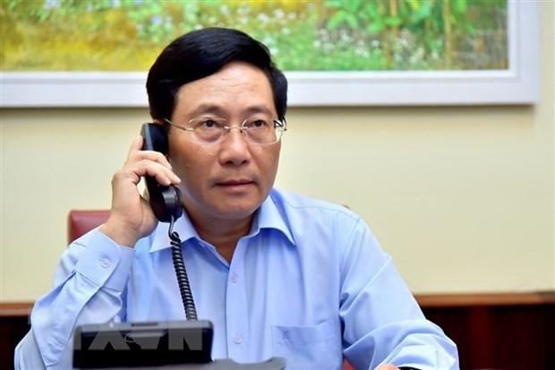 Vietnamese, Italian FMs hold phone talks hinh anh 1