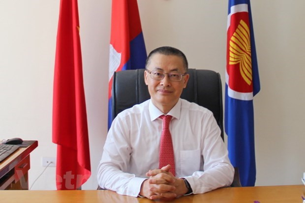 Vietnam yet to confirm COVID-19 patient infected while in Cambodia: Ambassador hinh anh 1