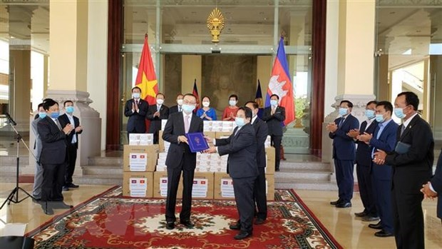 Cambodia grateful for Vietnamese NA's support in fighting COVID-19 hinh anh 1