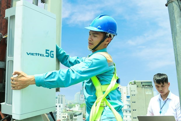 Telecom industry expects high growth in next 5 years hinh anh 1