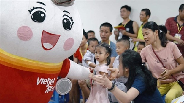Vietjet offers promotional tickets to celebrate Int'l Children's Day hinh anh 1