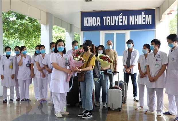 Regional solidarity key to cope with COVID-19: experts hinh anh 1