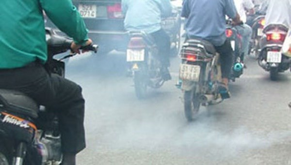 Motorbike emissions levels added to revised Law on Road Traffic hinh anh 1