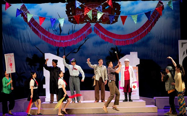 Hanoi's theatre resumes performances after social distancing hinh anh 1
