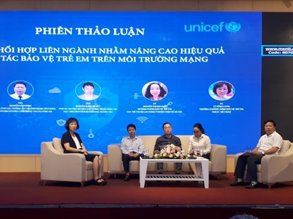 Protecting children in cyberspace requires extra effort: Confab hinh anh 1