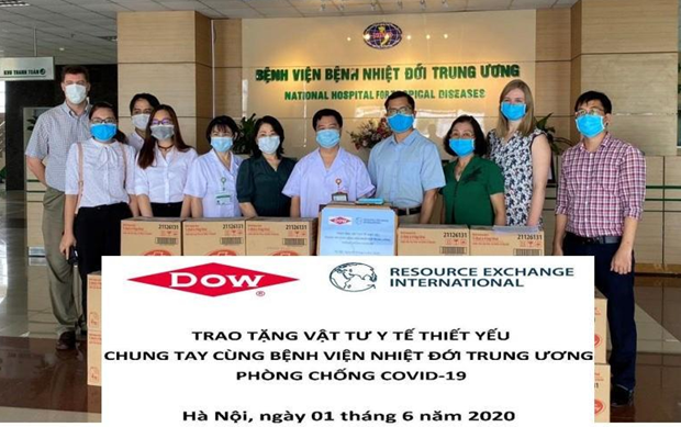 US organisation supports fight against COVID-19 hinh anh 1