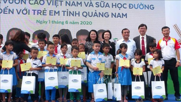 Vice State President visits kids in Quang Nam on Children's Day hinh anh 1
