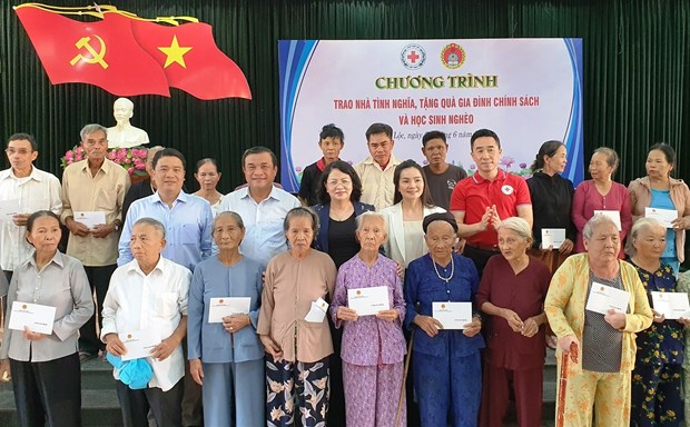 Vice President's humanitarian activities in Quang Nam hinh anh 1