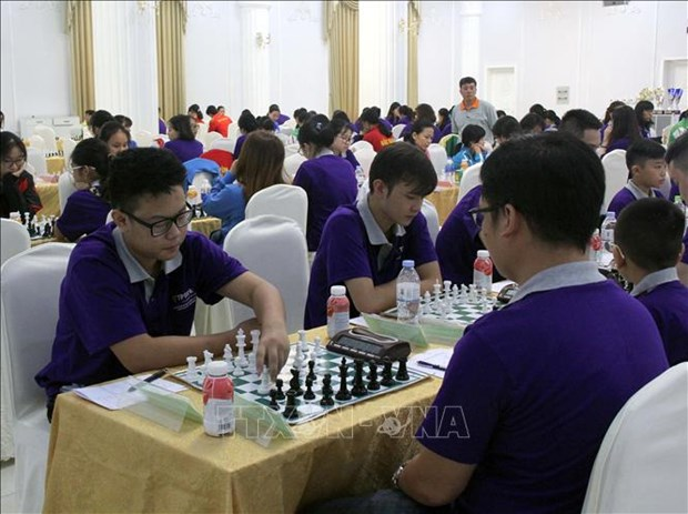 Over 200 players compete in National Team Chess Champs hinh anh 1