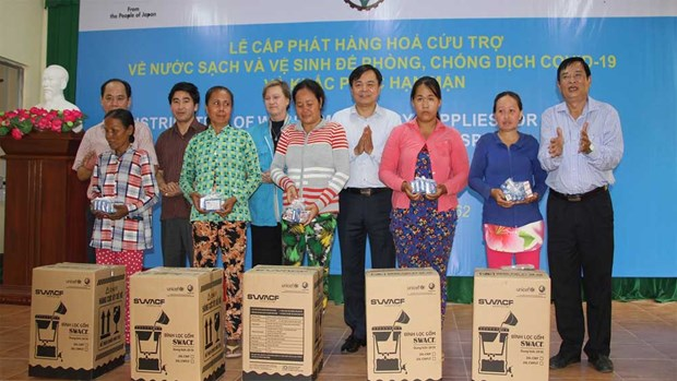 UNICEF in Vietnam presents daily supplies to Ninh Thuan hinh anh 1
