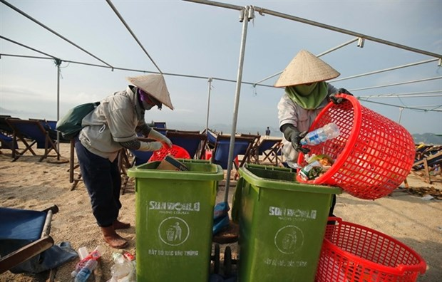Waste management projects line up to help address pollution issues hinh anh 1