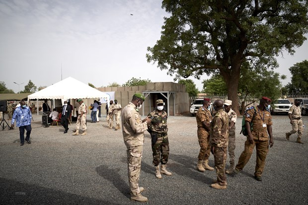 Vietnam calls for protecting people, addressing challenges in Mali hinh anh 1