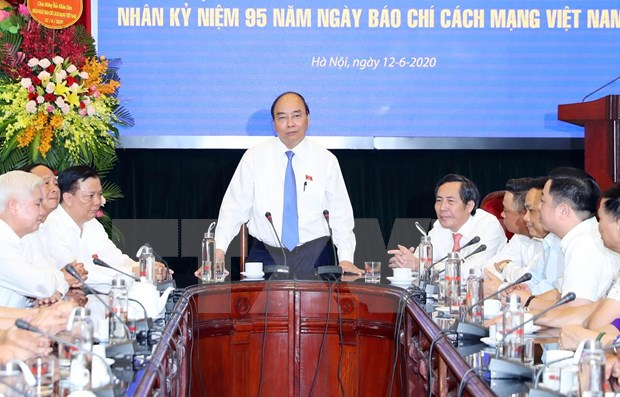 Journalists make huge contributions to nation: PM hinh anh 1