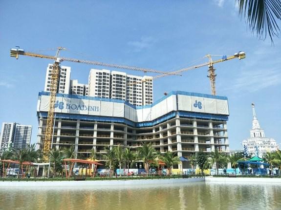 Hoa Binh group among top 10 prestigious companies in construction sector hinh anh 1