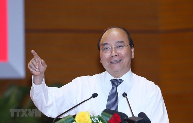 PM lauds media for contributions to COVID-19 fight hinh anh 1