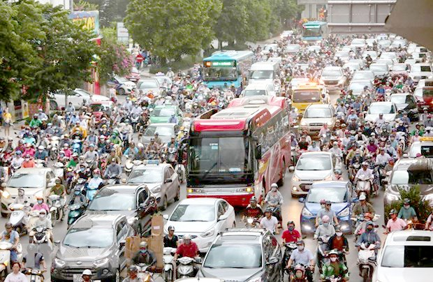 Traffic congestion still a big problem for Hanoi hinh anh 1