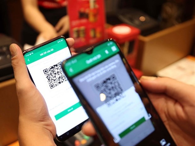 Vietnam sees surge in popularity of contactless payments hinh anh 1
