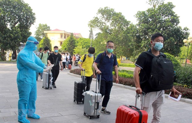 Seven more imported COVID-19 cases reported on June 18 hinh anh 1
