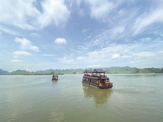 Largest pagoda complex beckons tourists, pilgrims hinh anh 1