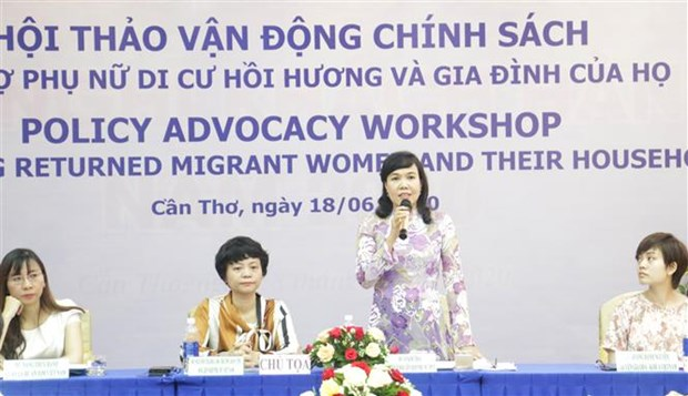 Workshop seeks ways to support returned migrant women hinh anh 1