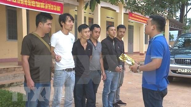 Dak Lak police bust cross-border drug ring, seize 1.8kg of crystal meth hinh anh 1