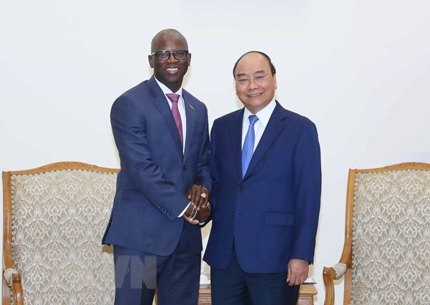 PM receives outgoing WB Country Director hinh anh 1