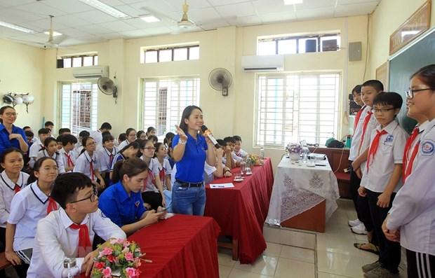 VNA raises students' awareness of fake news hinh anh 1