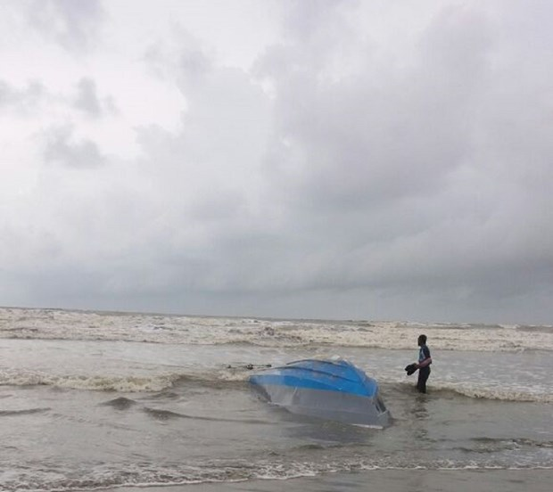 Nine fishermen missing in Indonesia after boat accident hinh anh 1