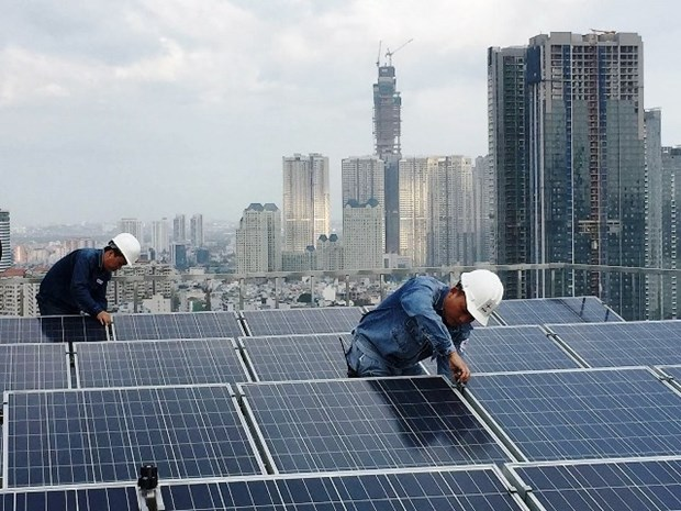 HCM City targets 1,000 MWp of rooftop solar power at IZs by 2024 hinh anh 1