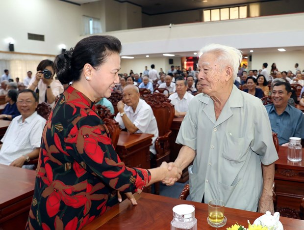 Can Tho voters want transport projects sped up, river bank erosion prevented hinh anh 1